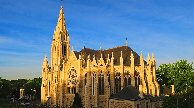 Église Saint-Léger (paroisse Sainte-Bernadette-et-Saint-Léger-d'Orvault)