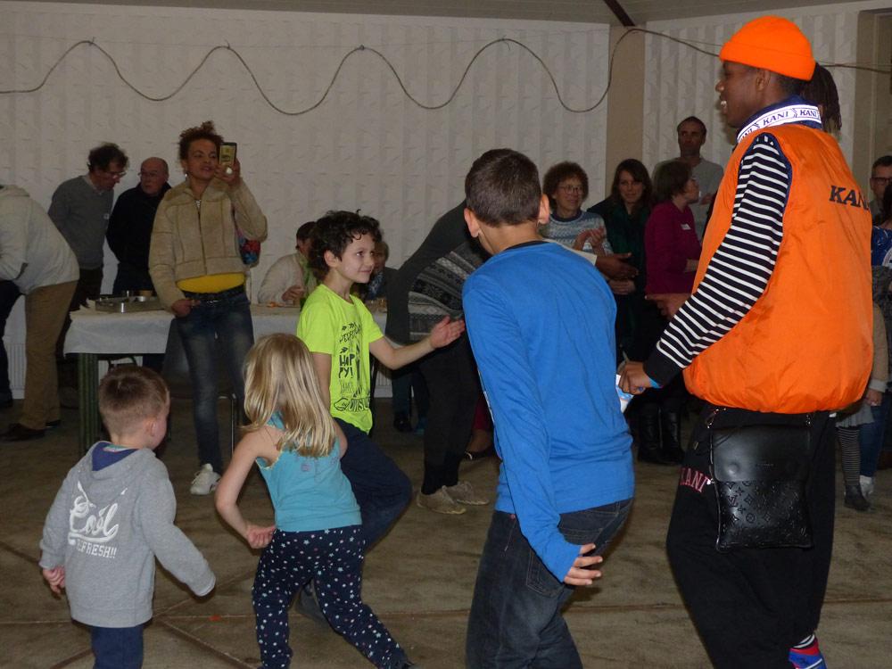P1040474_danses_enfants