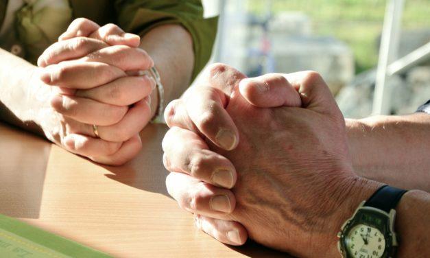 Prier à domicile : proposition de célébrations