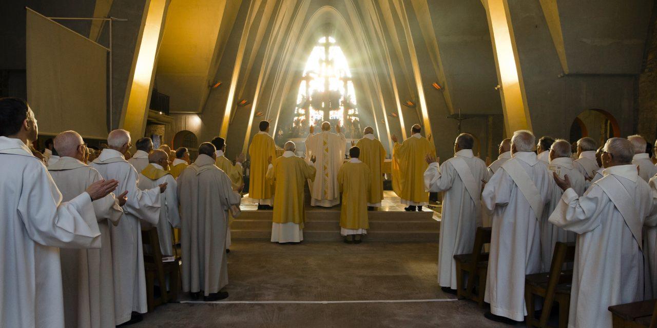 Une neuvaine de prière pour les vocations