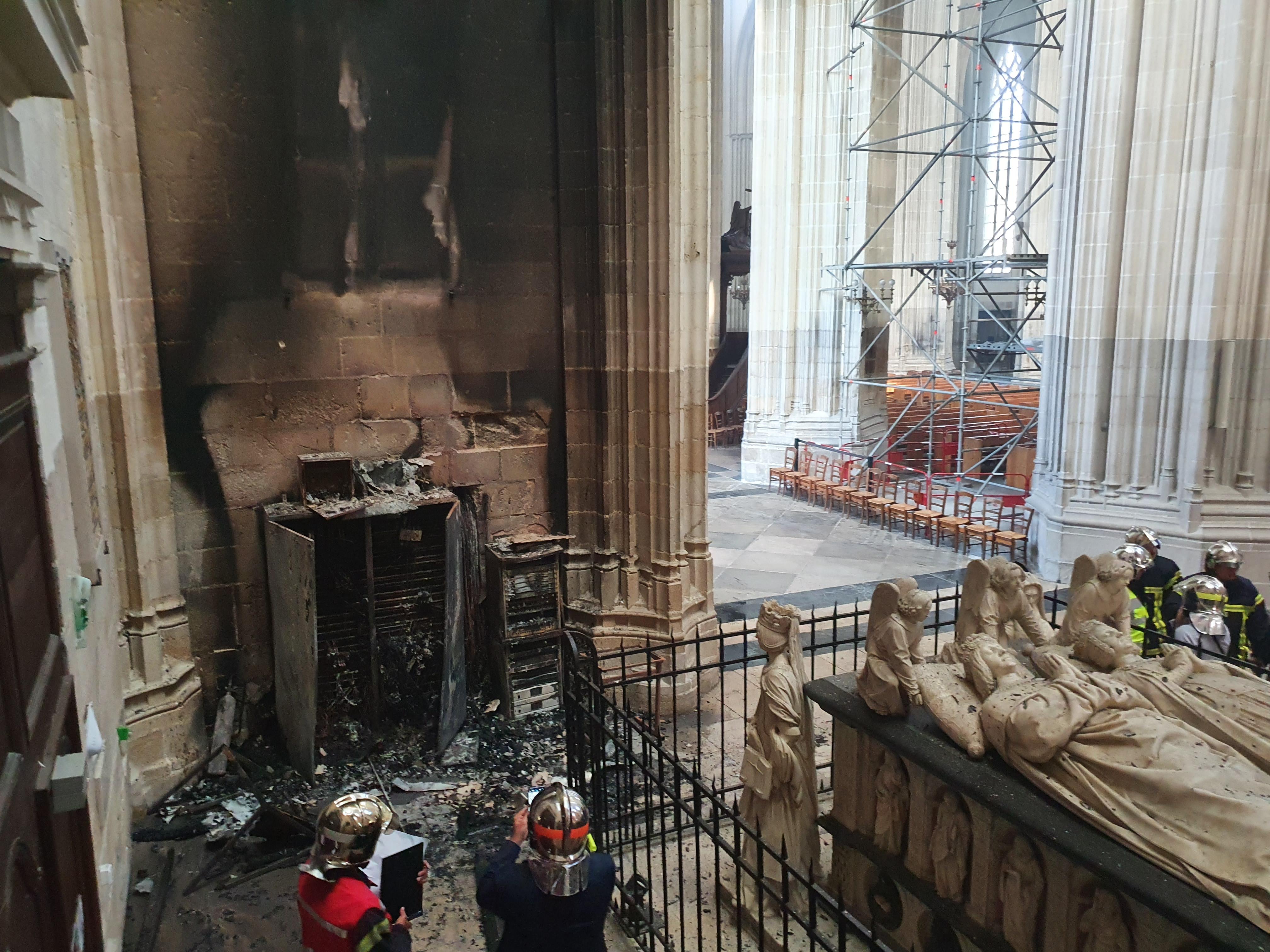La catedral, tras el incendio