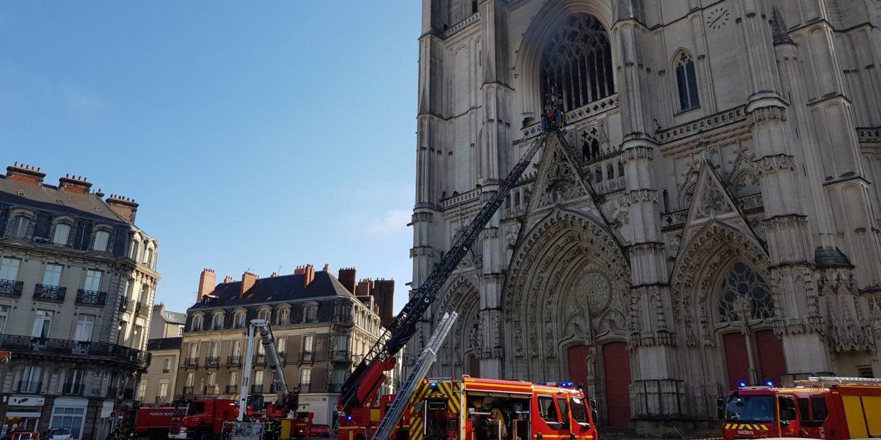 Incendie à la cathédrale Saint-Pierre et Saint-Paul de Nantes