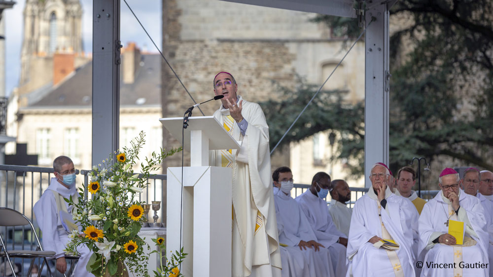 Éditorial de Mgr Laurent Percerou